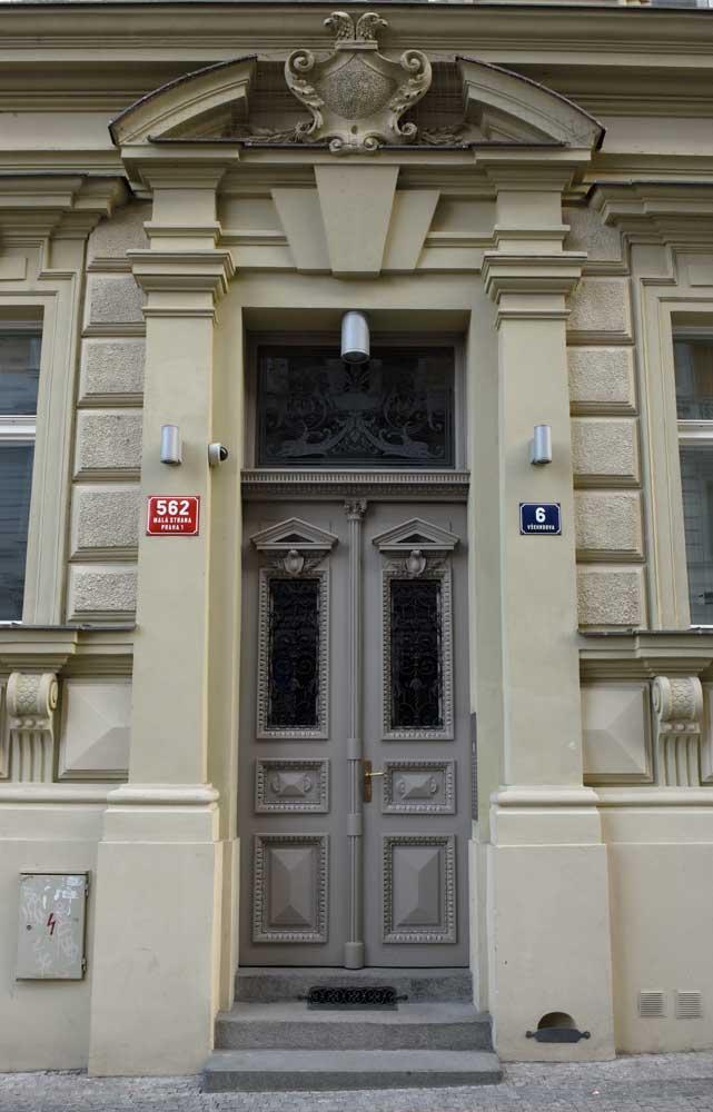 Praha,  Všehrdova 6