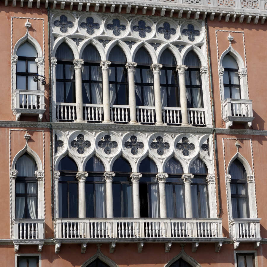Benátky, Palazzo Pisani Moretta
