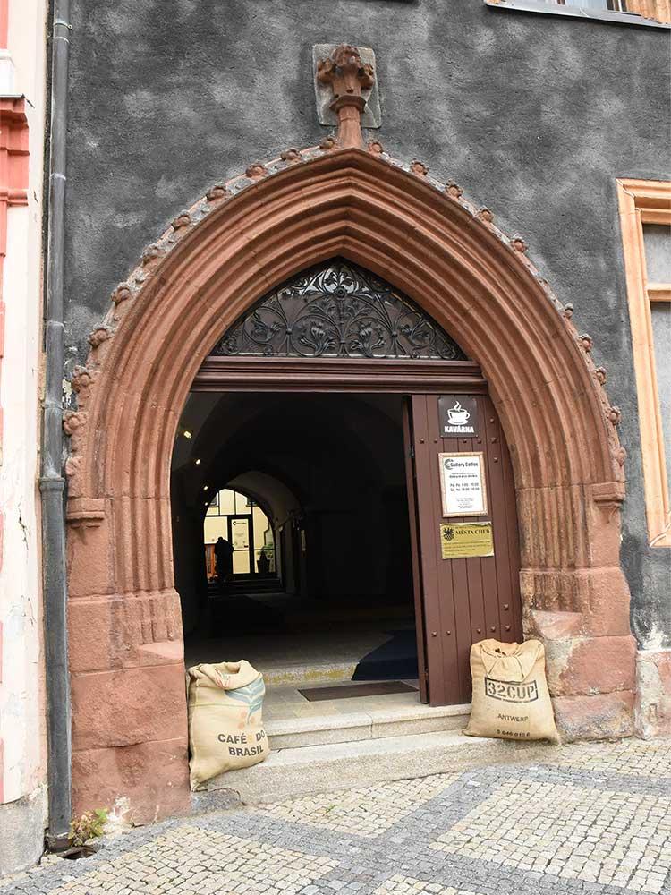 Cheb, dům Schirdingen, nám. Krále Jiřího z Poděbrad