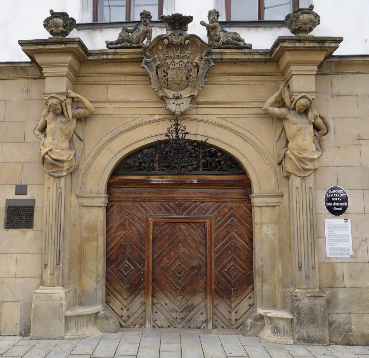 Olomouc, Horní náměstí, Petrášův palác