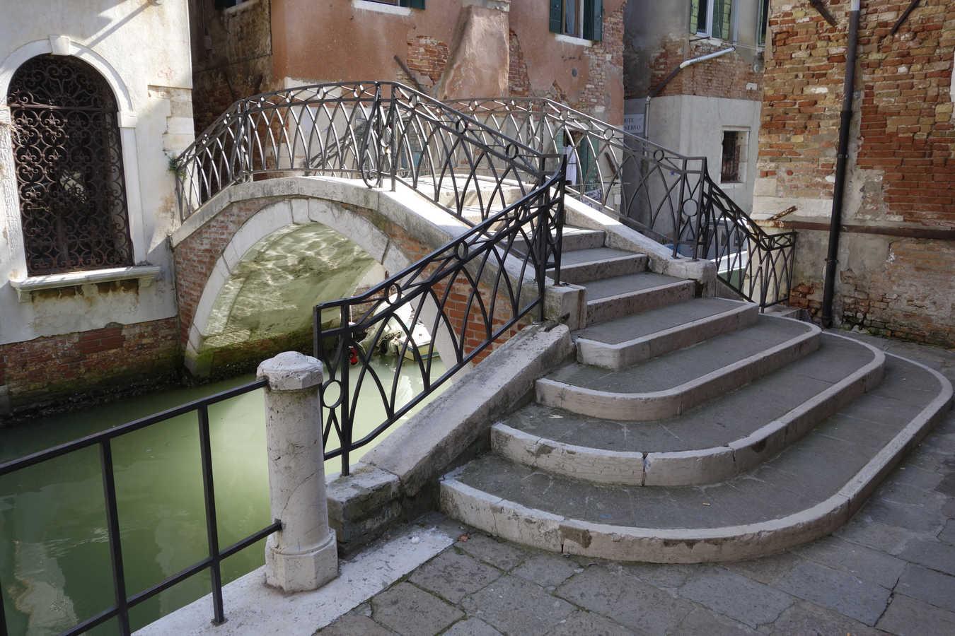 Benátky, Calle de le colonette Ghetto