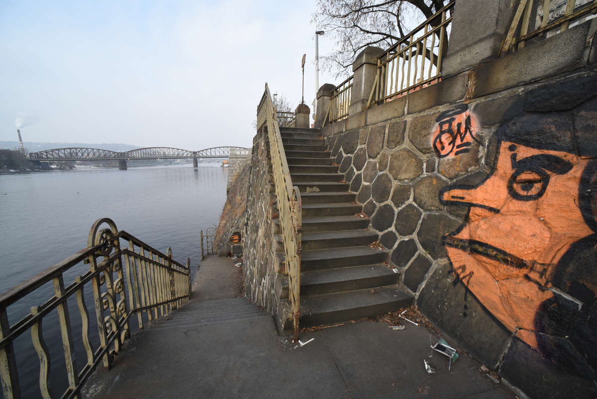 Praha, vltavská navigace pod Vyšehradem